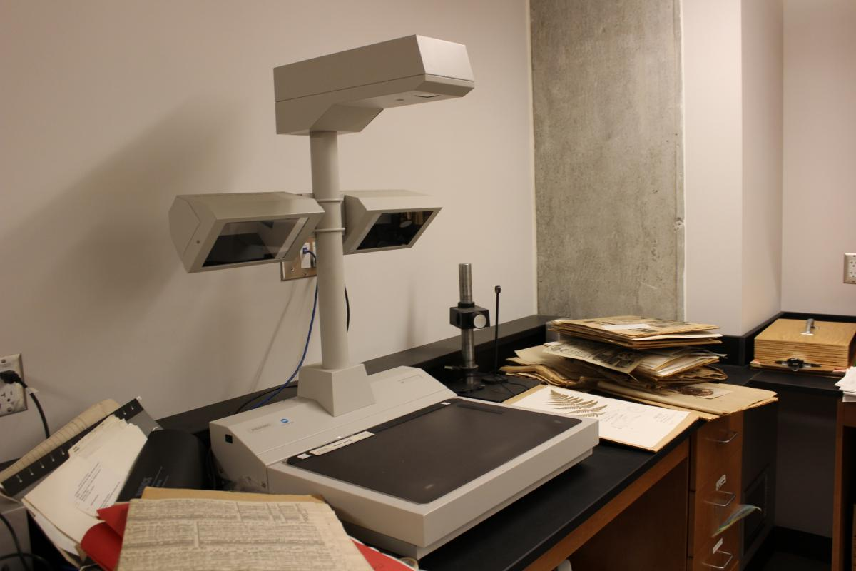 Image of scanner for plant specimens.